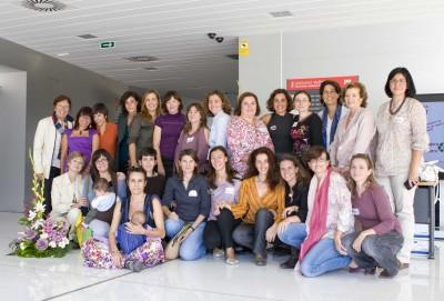 Foto de familia: organizadoras, pediatras, autoridades, algunas asistentes...
